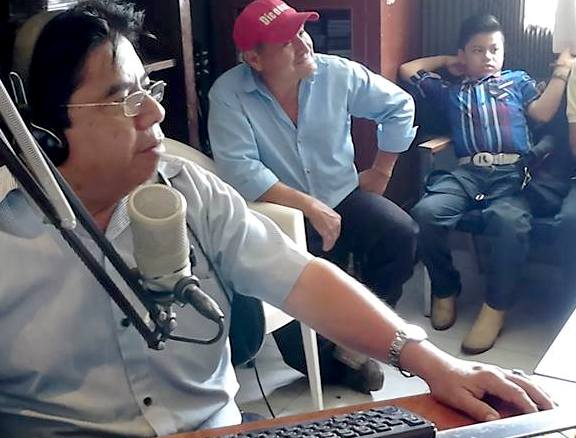 Cabina de XEPET La voz de los mayas, en Peto
