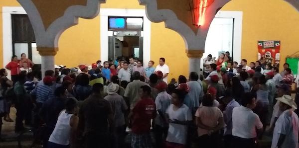 Ejidatarios protestando en Conkal