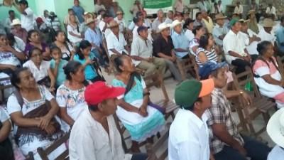 Campesinos mayas discuten medidas para combatir el calentamiento