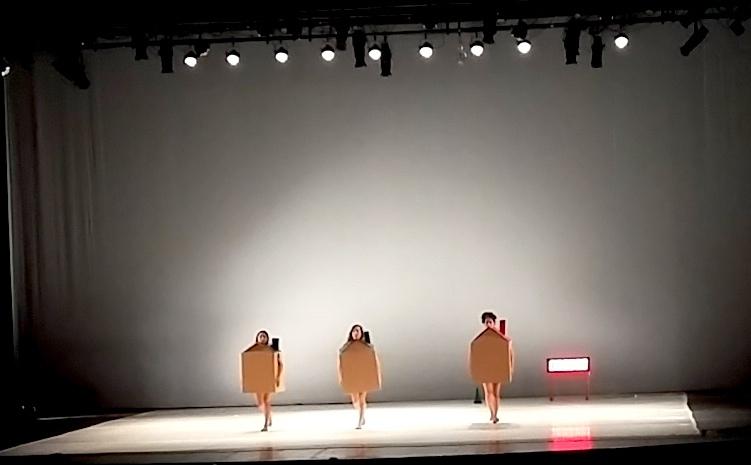 Una propuesta de la propuesta de Tumák'at, anoche en el Teatro Armando Manzanero