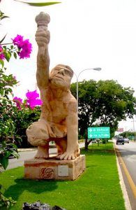 Jacinto Canek en la avenida que lleva su nombre en Mérida