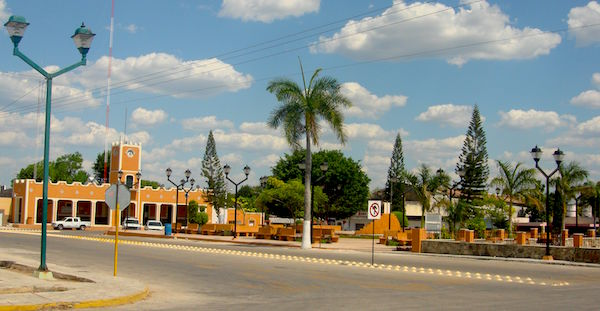 La plaza principal de Sucilá, comunidad de Yucatán donde encontraron a una menor extraviada. Foto de Elchilambalam