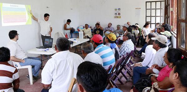 Una reunión informativa con representantes de comunidades, en Hopelchén