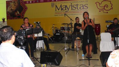 """Yuuyum Radio en Izamal, en el concierto """"Sangre maya"""""""