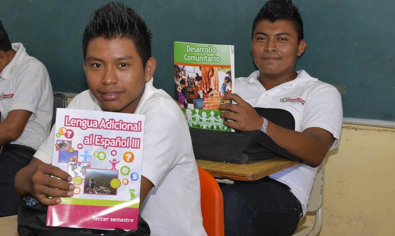 Jóvenes del Tele Bachiller de Puerto Arturo, en José María Morelos