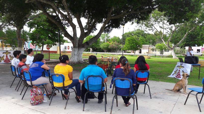 Algunos de los participantes al inicio del evento en San Antonio Tzacala