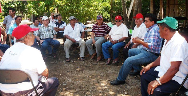 En tierras mayas los campesinos y productores cada día están más organizados, animados por organizaciones independientes