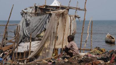 Agua sucia, humo de leña y de cigarro, tres causas de muerte de niños, advierte la OMS