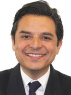 Zoé Alejandro Robledo Aburto firma la Ley del Instituto Indígena