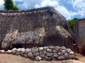 """El conocimiento que subyace en su construcción, lo más valioso de la xa'anil naj o """"casa maya"""""""