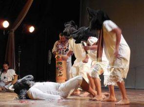 """En inédita Expo Culturas del centro de idiomas de la UADY, los """"Wáay"""" vuelven al escenario"""
